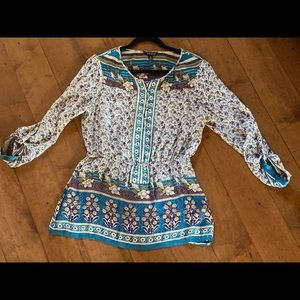 Lucky Brand top - EXCELLENT CONDITION- NO FLAWS